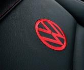 вышивка на чехлах VW